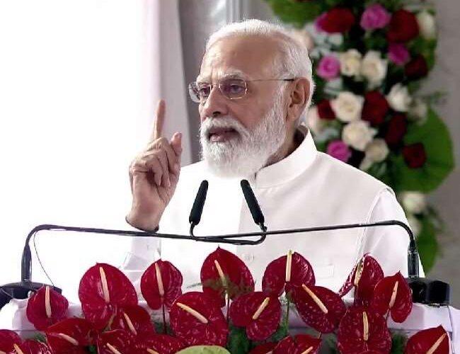कुशीनगर का विकास उप्र सरकार और केंद्र की प्राथमिकता : प्रधानमंत्री मोदी